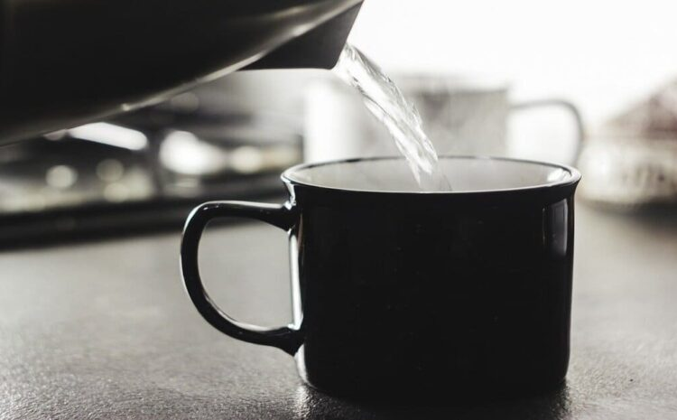 Amazing Benefits of drinking hot water to lose weight